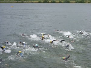 Race Start, the light blue hat is Foggo, the yellow hat to his right is me